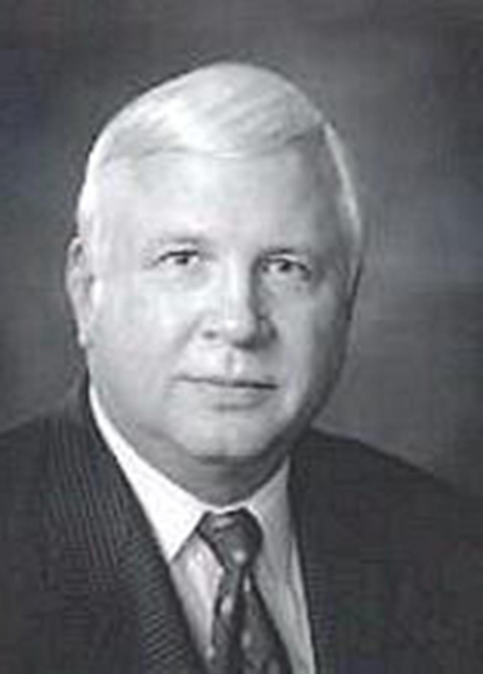 Thomas E. Fettke